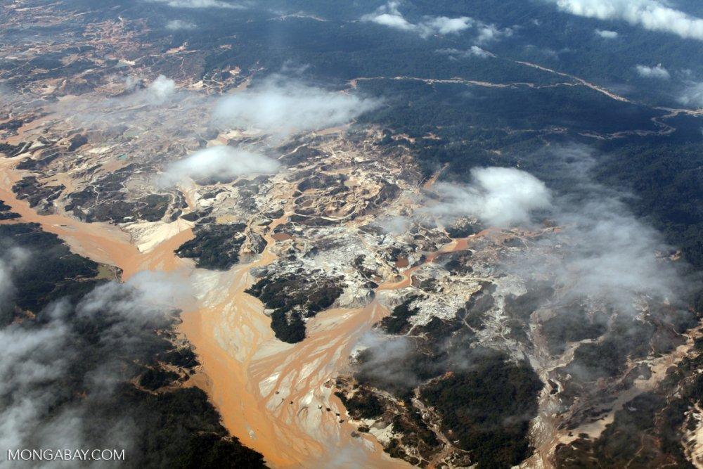 Gold mining area in Peru (Image: Rhett Butler / Mongabay)